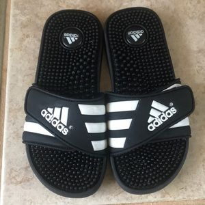 Adidas Sandals like new